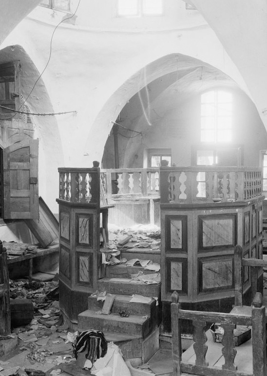 The destruction of the Avraham Avinu Synagogue in Hebron in 1929